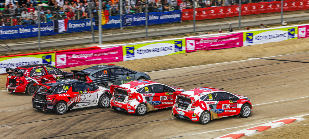 OMSE Ford Fiesta ST drivers battle in France